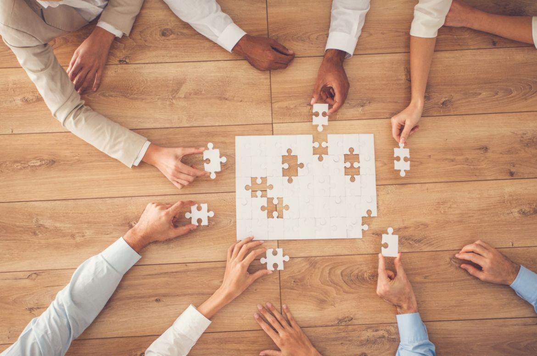 Boardroom puzzle meeting